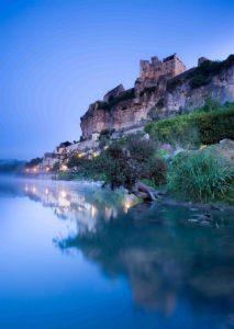 castle-beynac-dordogne-perigord-france